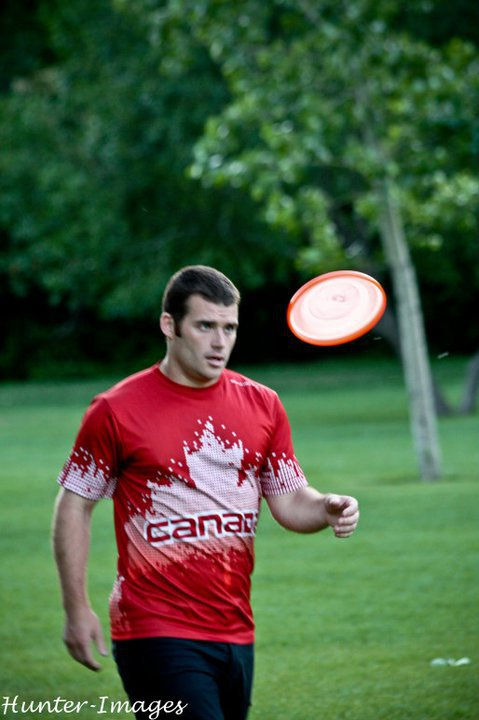 Canadian Sets Distance World Record in Flying Disc