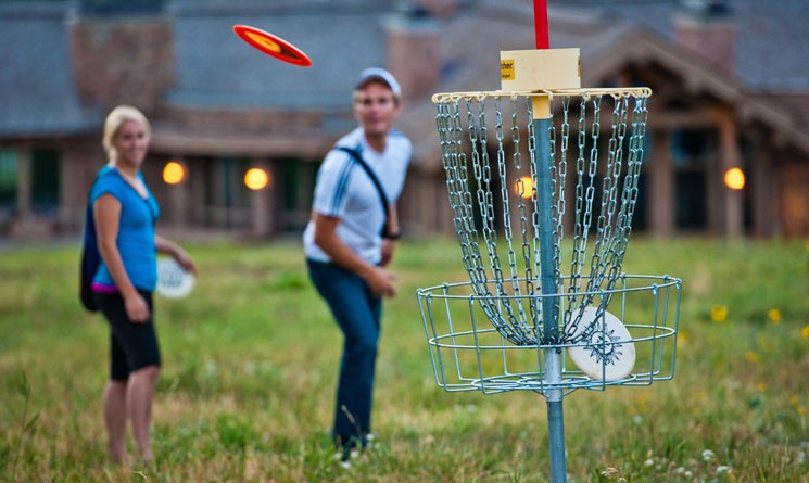 7 Reasons Disc Golf is Better Than (Ball) Golf
