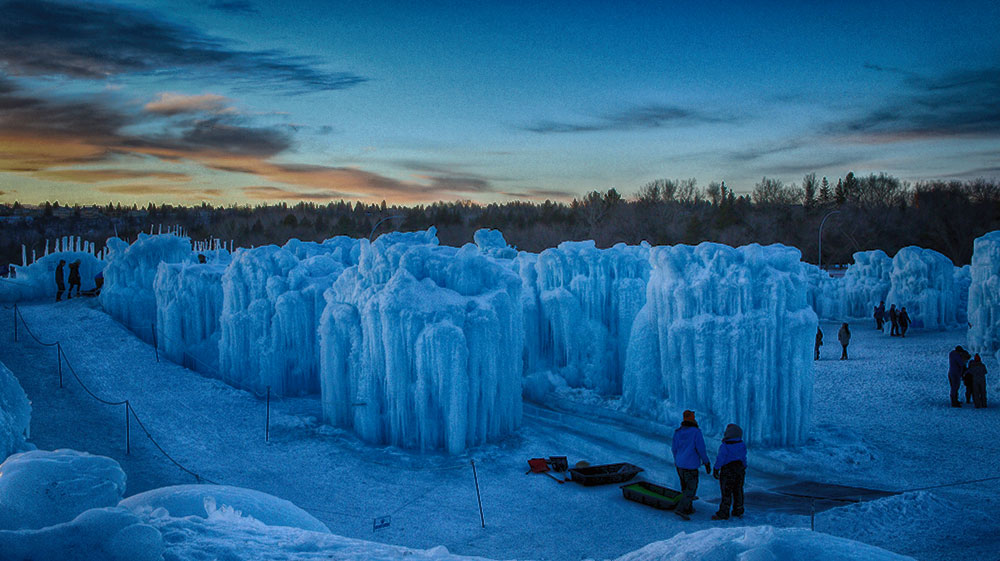 Ice Castles and Frisbee on Ice